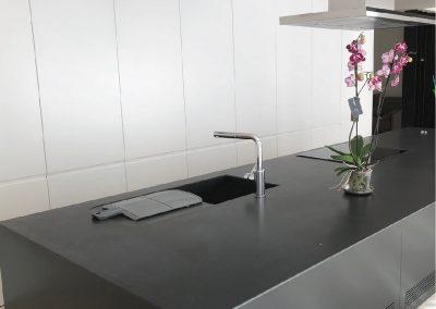 Cocina lacado en blanco y negro 02
