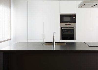Cocina laminado blanco y negro 03