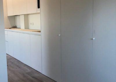 Cocina y armario laminado blanco 04