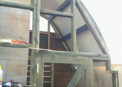 Cuarto de baño de madera en terraza 03