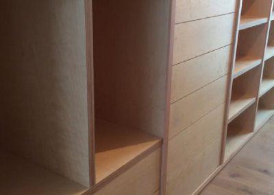 Interior armario tablero contrachapado 01