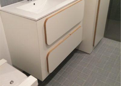 Mueble de tablero contrachapado de abedul y forrado con laminado blanco-06