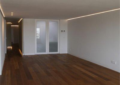 Puertas correderas y puertas pivotantes de suelo a techo. Casino-03