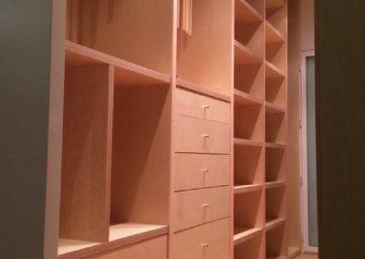 interior armario tablero contrachapado 03